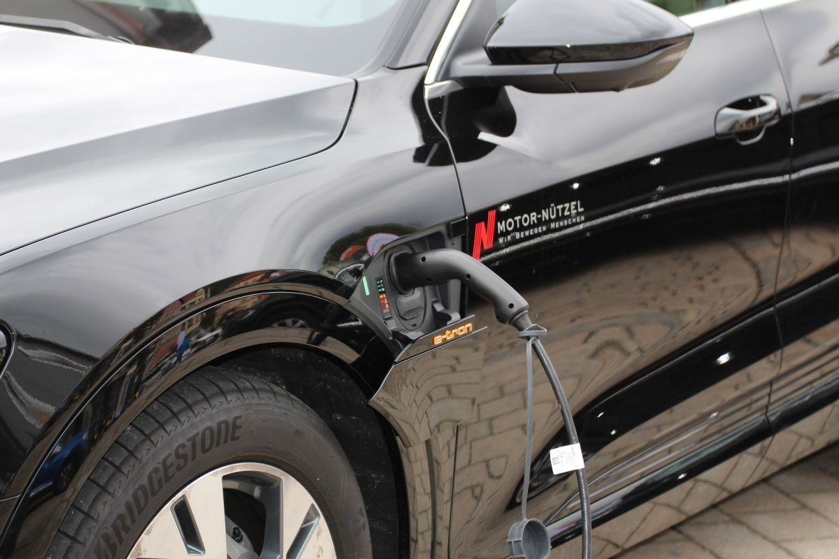 Electrical Vehicle Charging Installation, EV Charger Installation in Pembroke Pines