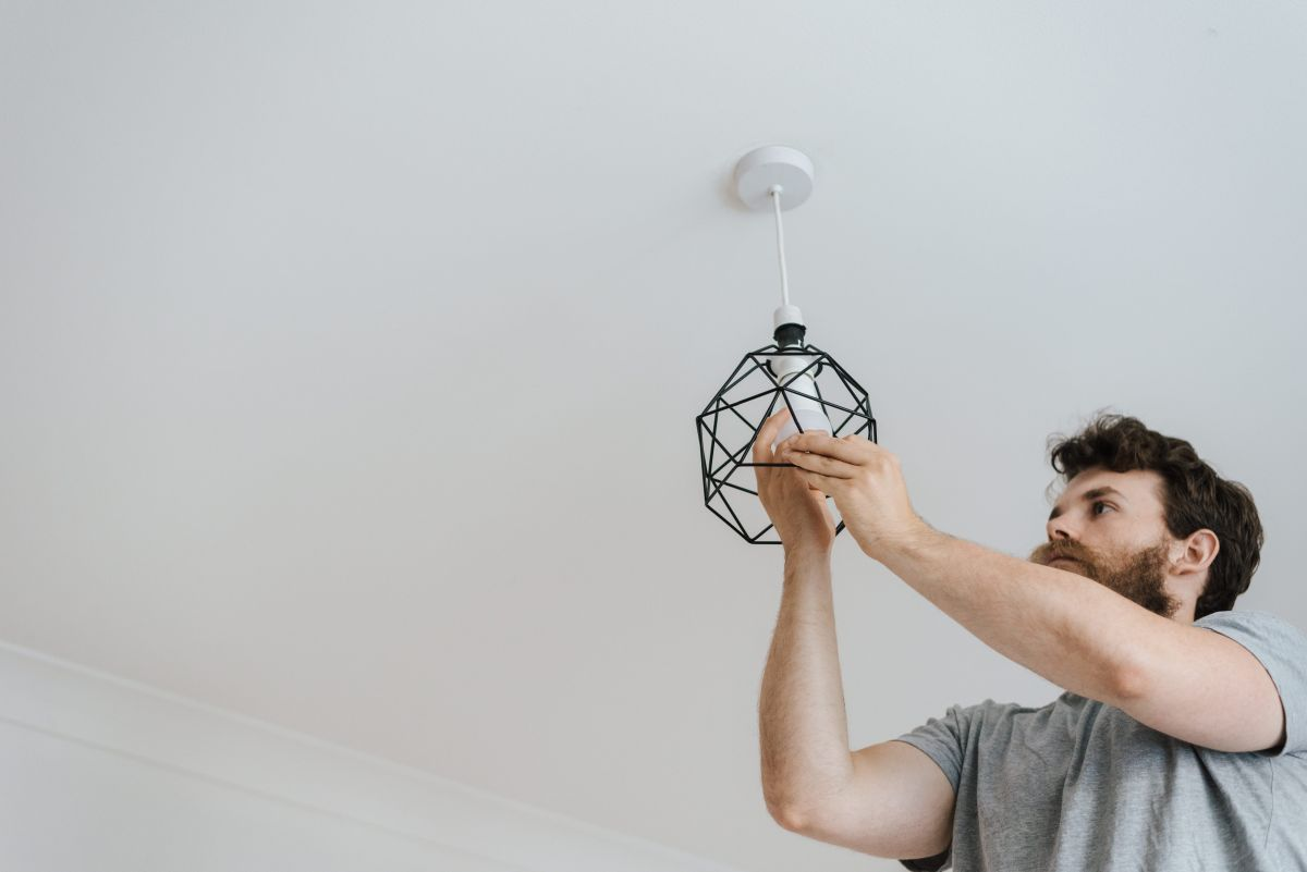 Residential Remodeling Electrician in Plantation